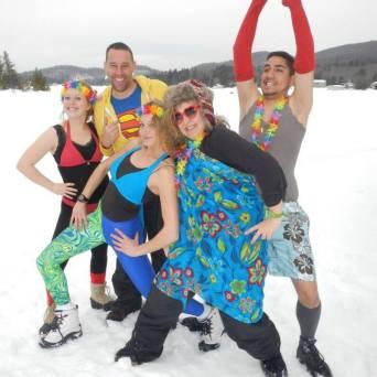 Animateurs et directrice Telligo sous la neige