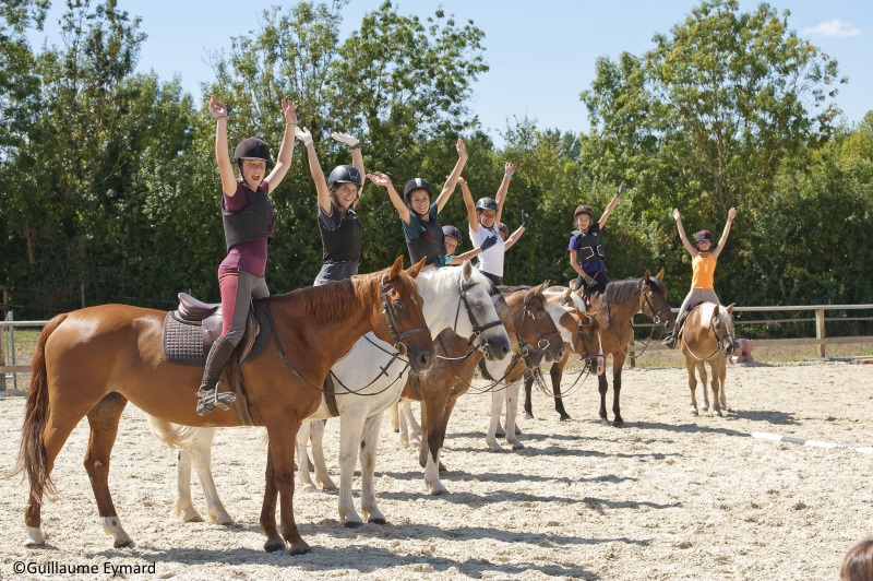 colonie de vacances sportive equitation